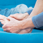 Signs of gout and the best way to deal with gout
